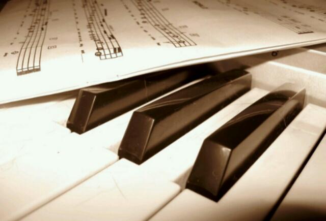 4.百搭流行鋼琴伴奏法(二)柱狀和弦+單音